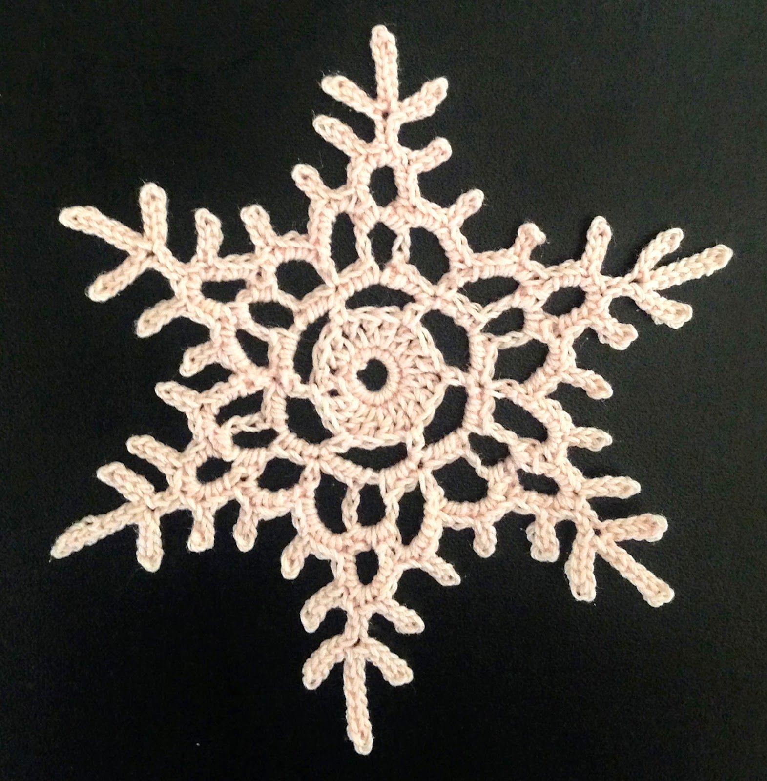 FREE PATTERN ~ C ~ Lizzy Stitches: Crochet Snowflake Pattern ...