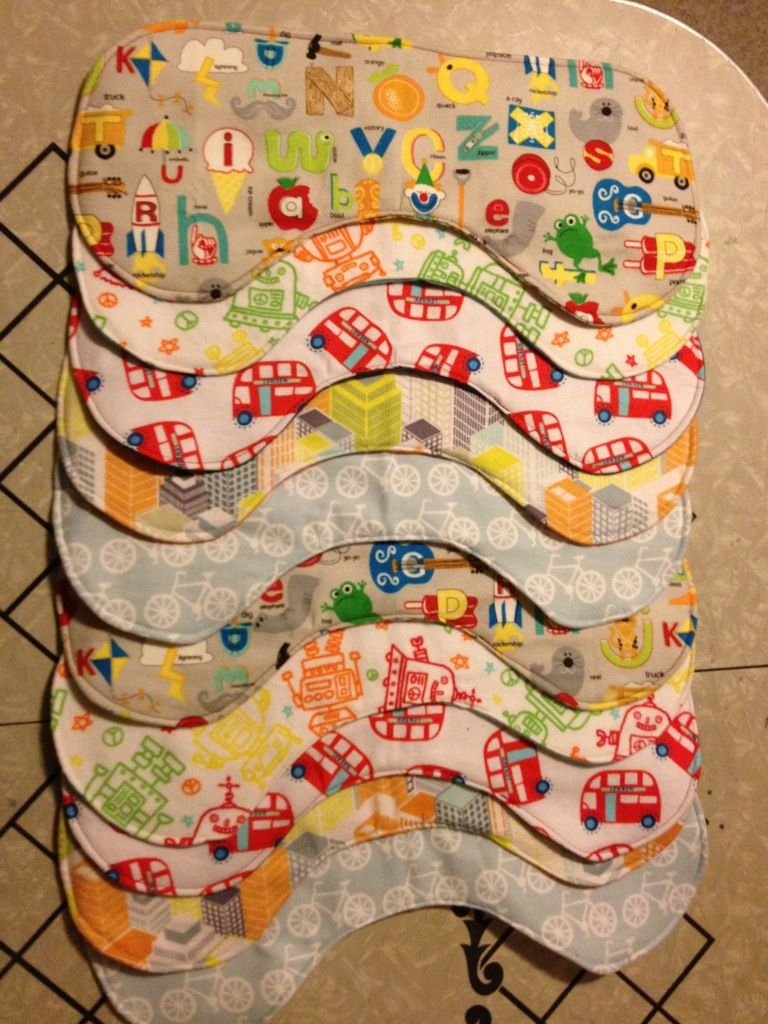Free burp cloth pattern with tutorial! Bite sized biggie.