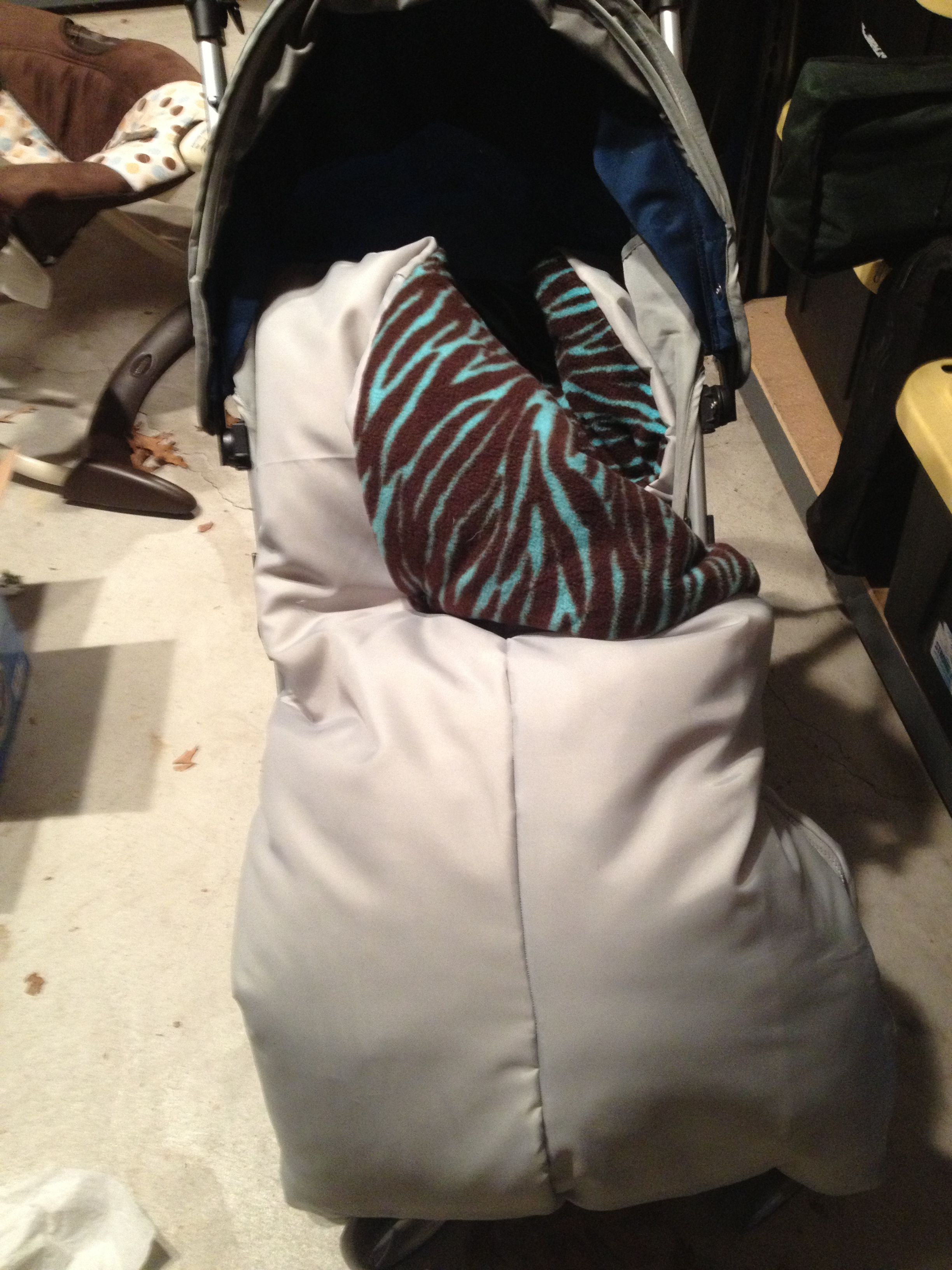 Or sleeping bags clothes pegs optional fairy lights optional - Diy Bundle Me I Call It A Stroller Sleeping Bag I Made It
