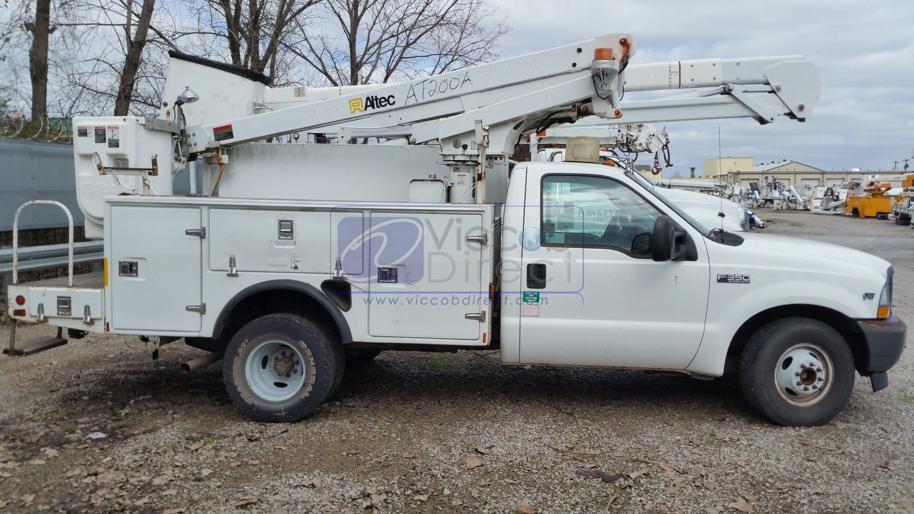Bucket Truck With Lift Altec At200a Used Sold Bucket Truck Trucks Altec