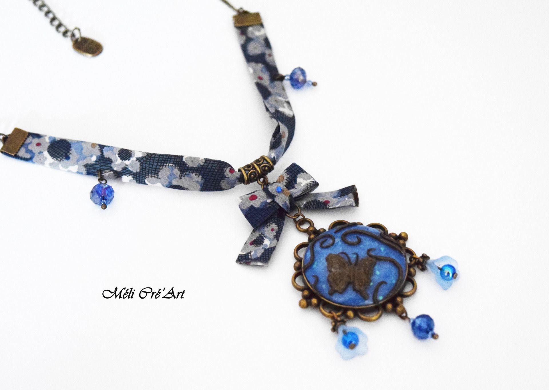 Collier bronze pierre bleu agate et papillon : Collier par melicreart