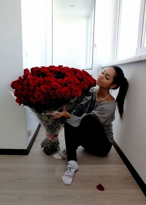 Getting roses/bouquets from my boyfriend <3 but wow, that must have cost a fortune.