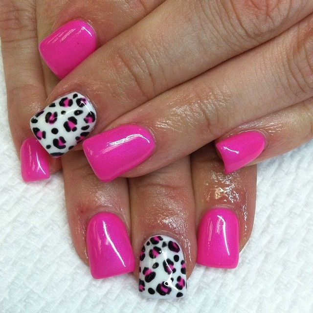 Acrylicnails With Pink Hotpink Shellac Nails With Cheetah Cheetahprint Katrinaloveschlo Pink Cheetah Nails French Tip Acrylic Nails Pink Leopard Nails