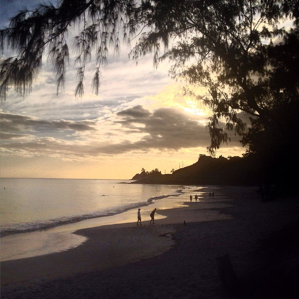 Waikiki Beach Wedding Ceremony: Post Sunrise Moments #kailua #lanikai #hawaii