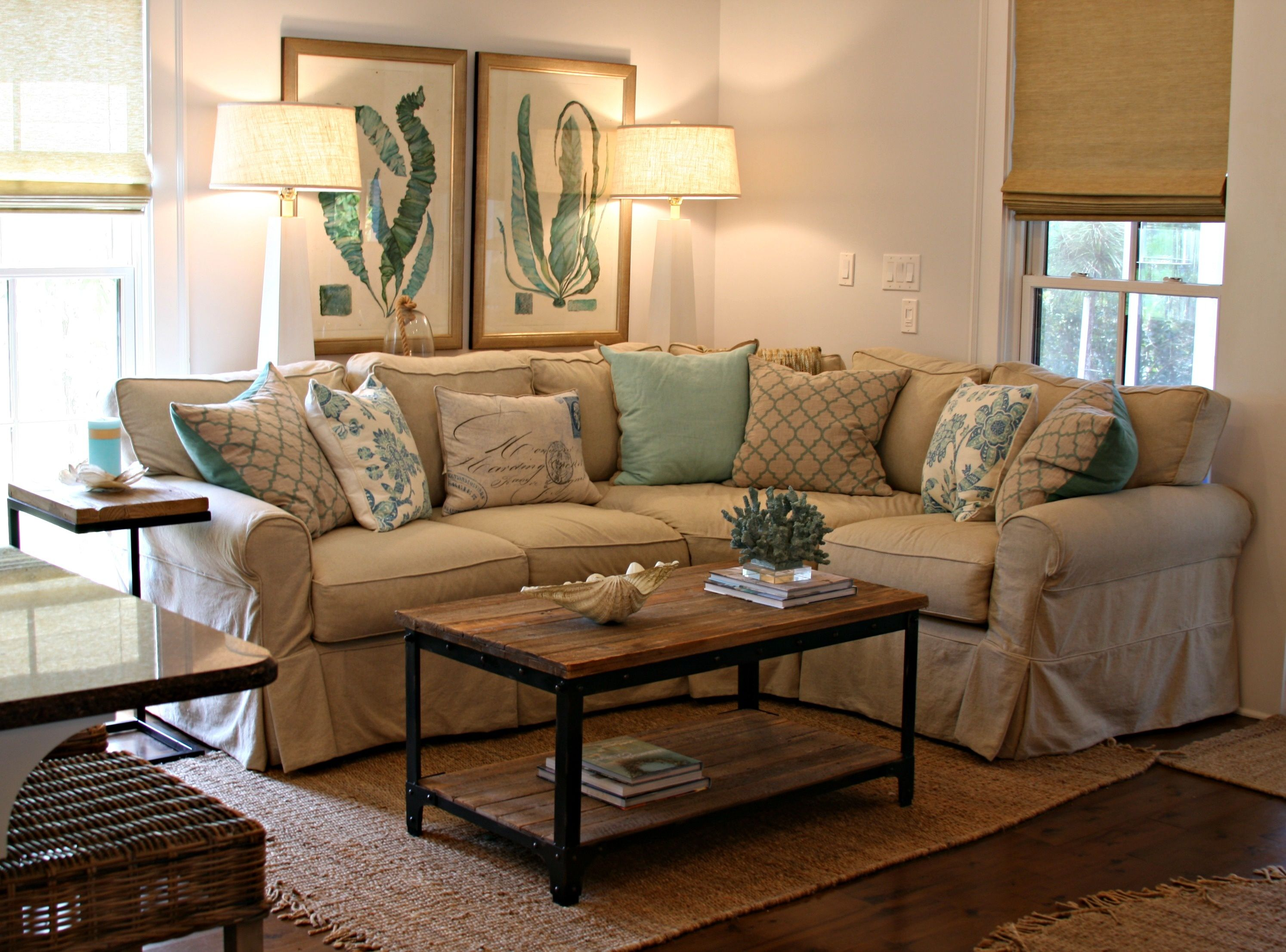 Cream sofa living room designs rishi vinaya family room cream sofa living room designs geotapseo Images