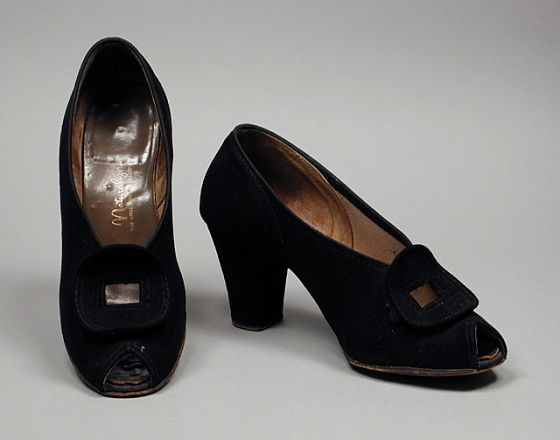 ec0f417dc659e 1943, America - Pair of Woman's Pumps by Naturalizer, Brown Shoe ...