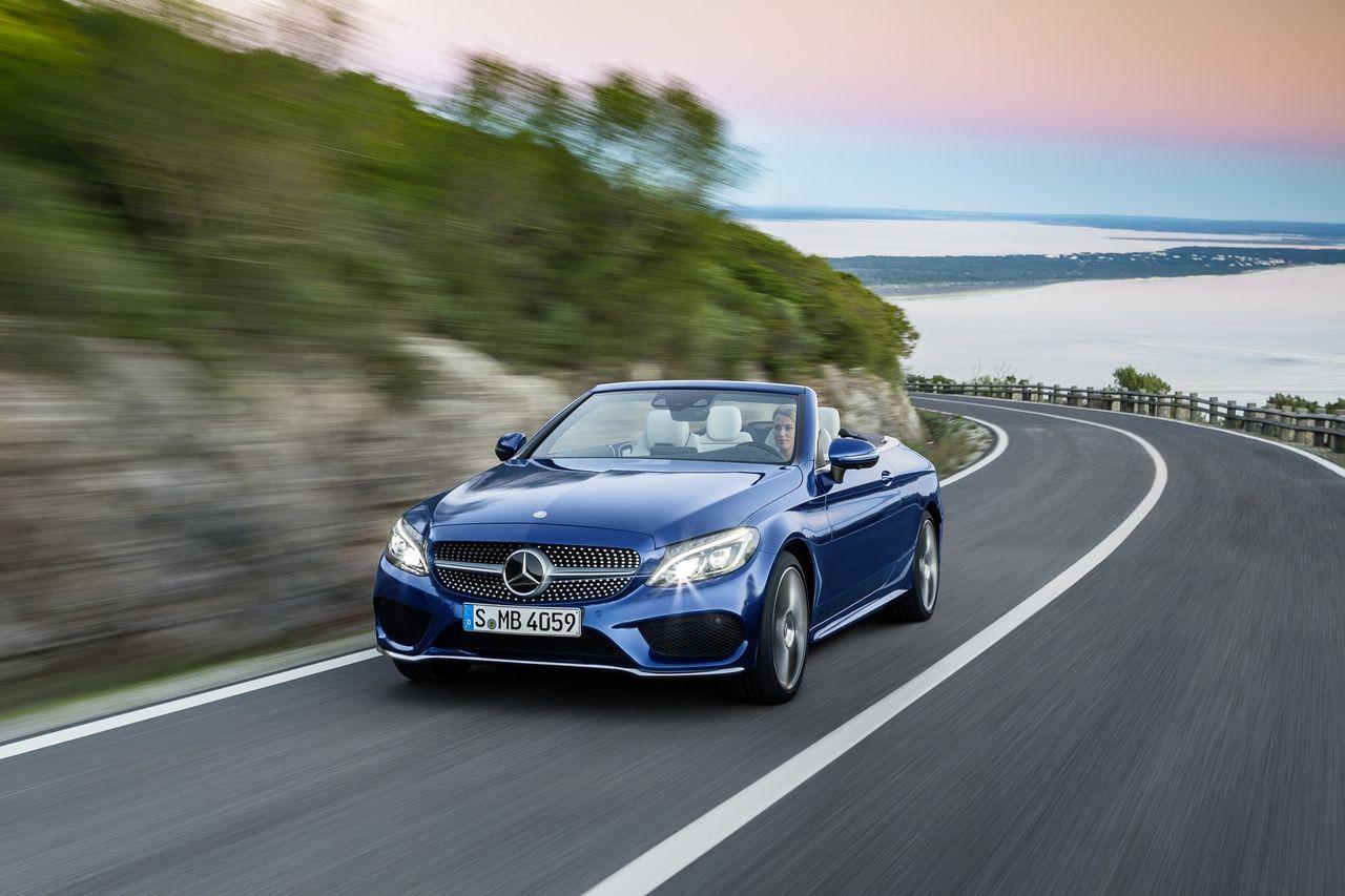 Mercedes Benz C 400 4matic Cabriolet Exterior Brilliant Blue