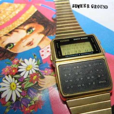 Traveling with my vintage calculator data bank watch, CASIO in Gold