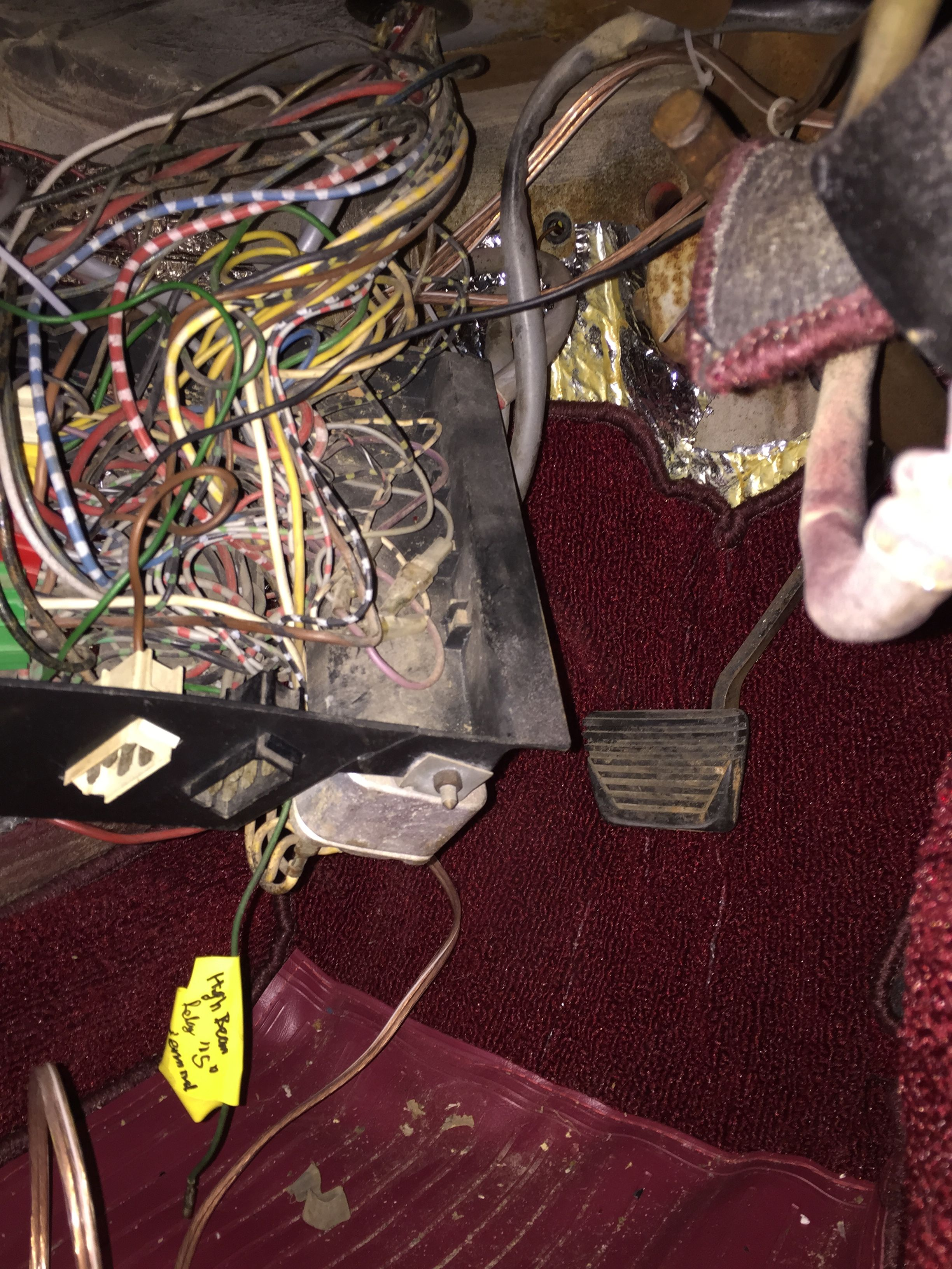 """Yellow label visible in green wire said """"windshield washer"""