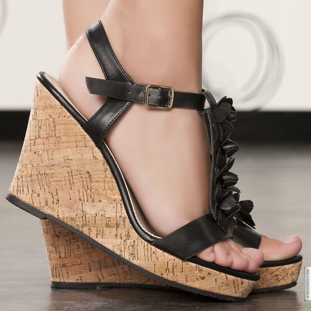 Sandales compensées noir femme elasthomère talons de 10 cm taille en vente  sur la boutique en ligne Modatoi. Achetez en