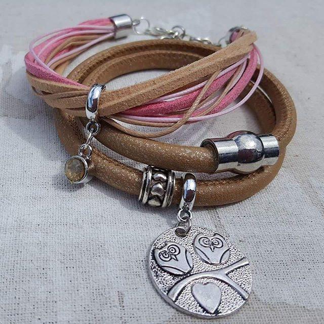 Alvast wat voorjaarskleurtjes! #diy #sieradenwinkel #sieraden #armband #armbandjes #yayasieraden #bracelet  #musthave #ibizastyle #bohemian #armcandy #happyarmcandy #boho #beadsforyou #beadsforluck #diyjewelry #suede #musthave #jewelry #jewellery #instafollow #handmade #handemadejewelry #handgemaaktesieraden