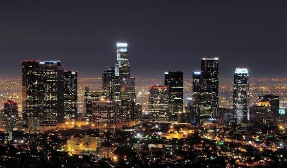 Disneyland Los Angeles Skyline Los Angeles At Night Los Angeles