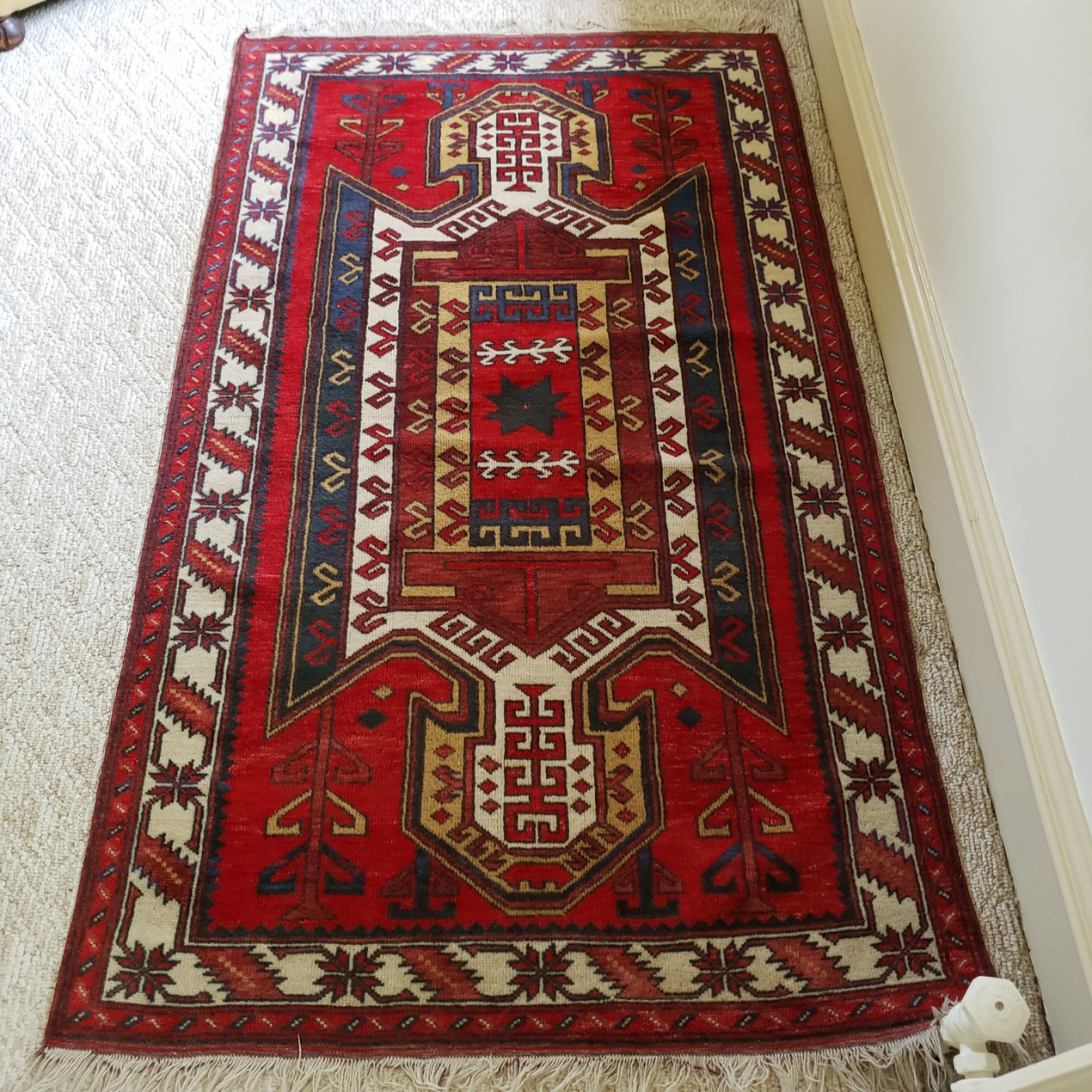 There Are A Few Rugs And Carpets At The Merion Station Estate Sale This Sunday Salesbyhelen Estatesale Merionst Rugs Bohemian Rug