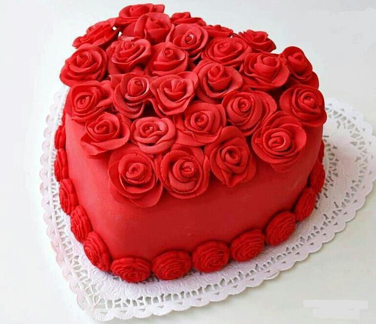 Um Coracao De Rosas Vermelhas Mais Paixao Nao Ha Bolo Dia