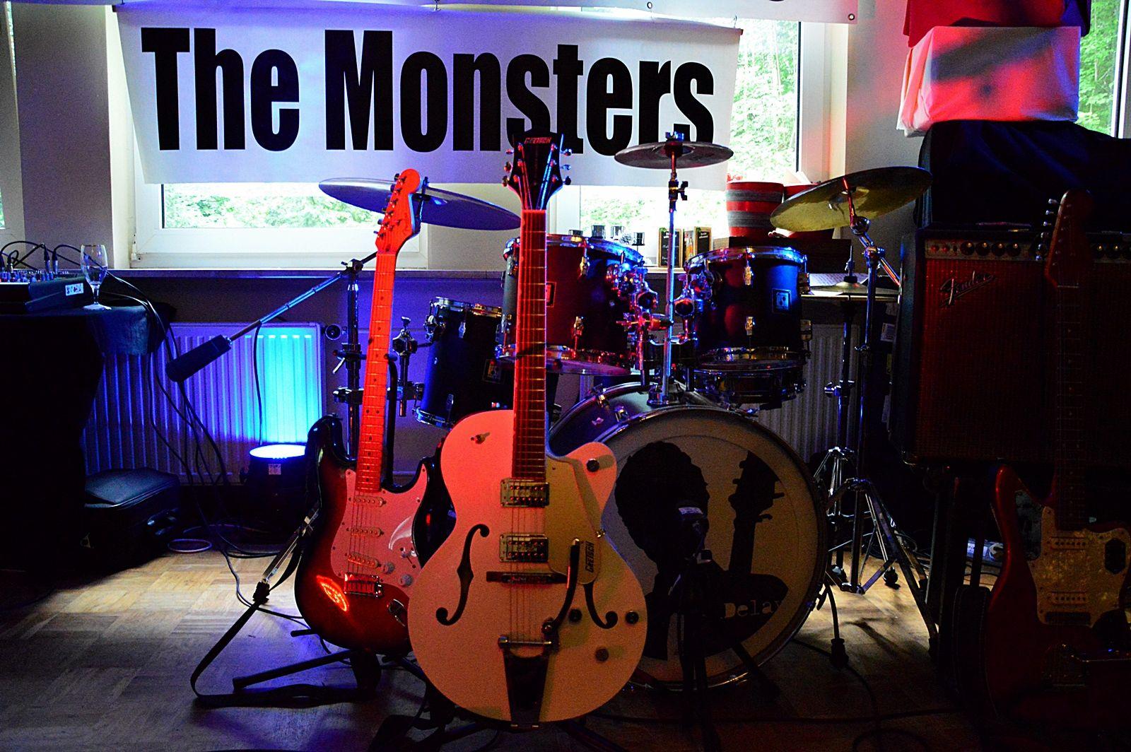 Schliekers Brunnen.The Monsters 4 Delays Im Schliekers Brunnen 29 06 2013
