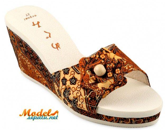 Sepatu Sandal Untuk Pakaian Tradisional Kebaya Model Sepatu