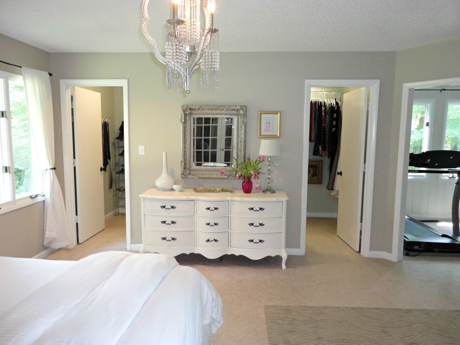 Fresco Of The Best Way Of Decorating Master Bedroom With Walk In