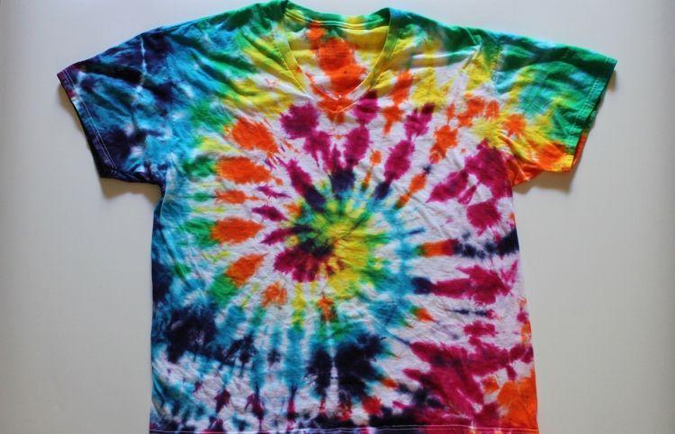 Batik Techniken Regenbogen Farben Spiralte Gestalten Pink Gelb Blau