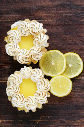 Individual Lemon Meringue Pies | Paula Deen #lemonmeringuepie