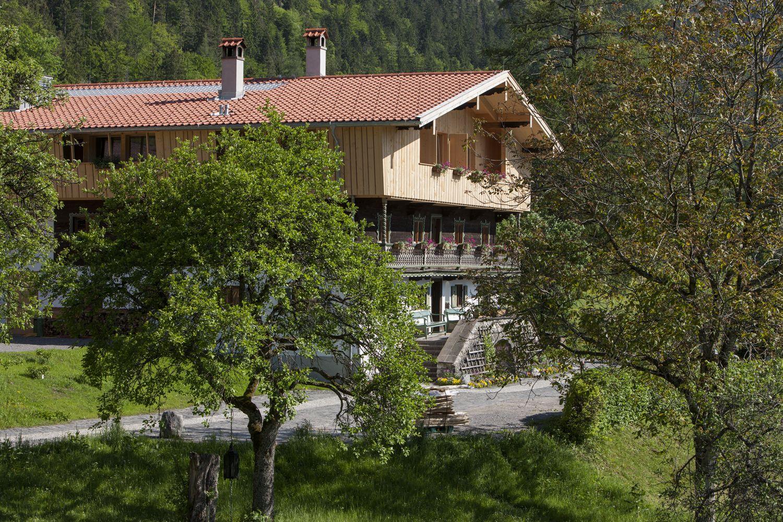 #Urlaub in #Bayern inmitten der #Natur im Gesundheitsresort Naturhotel Tannerhof in Bayrischzell ... Blick auf die Alte Tann #Gesundheit #Reisen #Hotel
