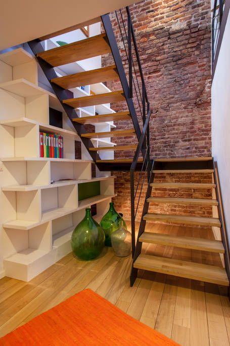 Escaleras de herrer a para interiores escaleras modernas for Disenos de interiores casas pequenas