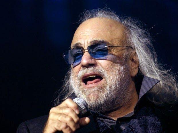 Taís Paranhos: Morre cantor grego Demis Roussos