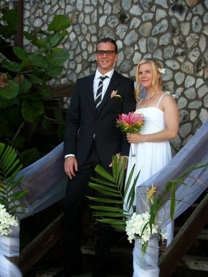 Second Weddings For Small Families Abroad See Photos Of A Beautiful Real Destination Wedding Held At Sandy Point Village Tobago
