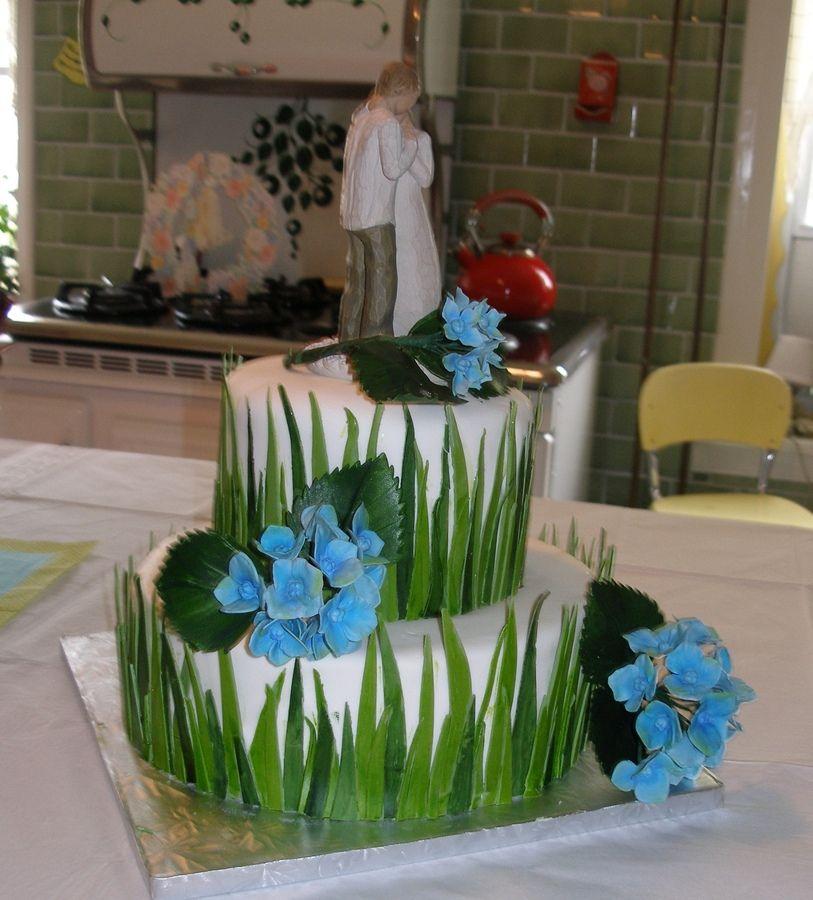 cupcake recipes for bridal shower%0A   tier bridal shower cake fondant grass