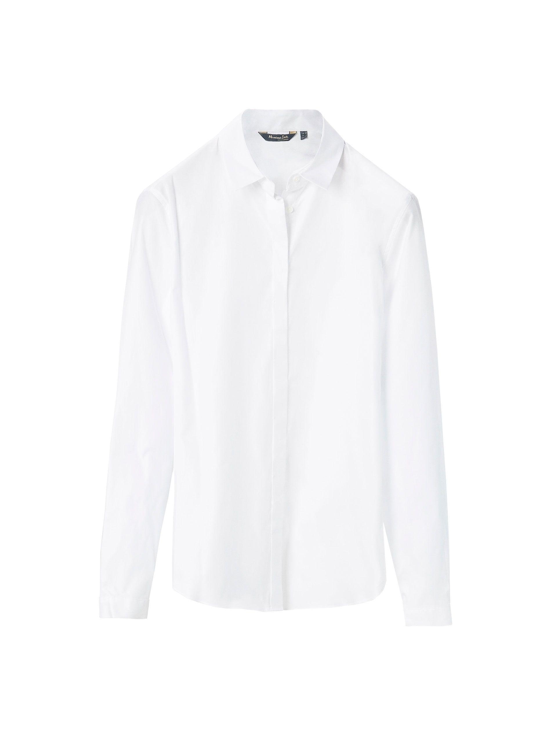 5d2e083398 Camisa blanca confeccionada en tejido popelín de 100% algodón. Corte recto
