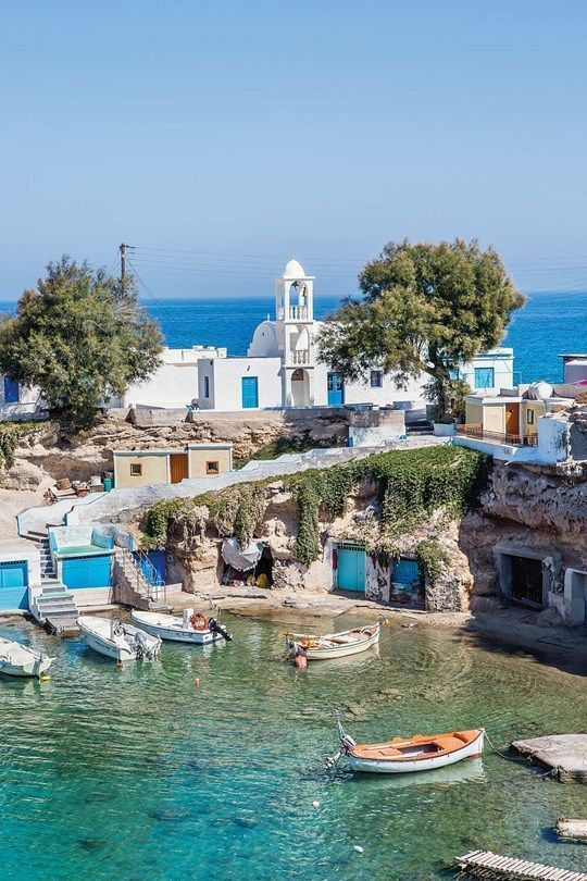 Milos, Greece: secret Greek island of the summer #traveltogreece
