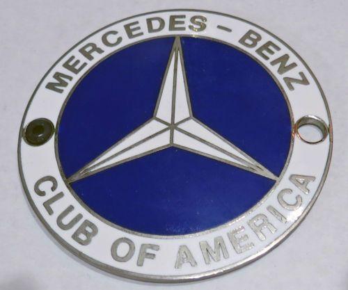 Vintage Car Badge 034 MERCEDES BENZ CLUB OF