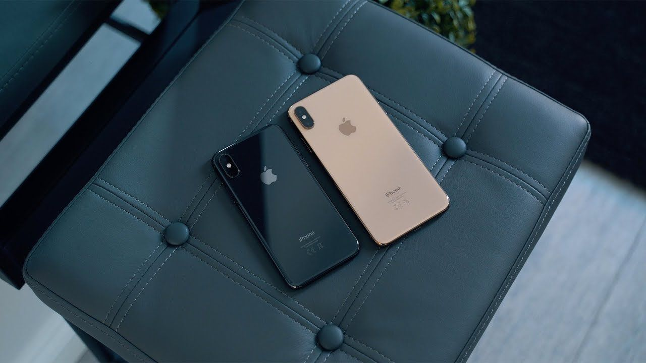 Iphone Xs Vs Iphone Xs Max Space Grey Gold Iphone Unlock Iphone Bluetooth Keyboard Case