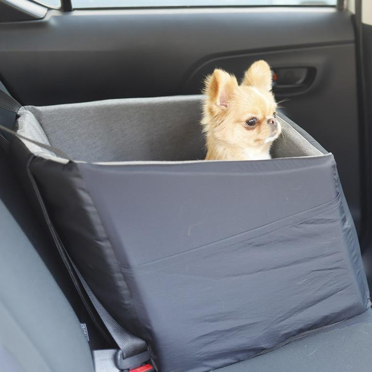 愛犬とドライブ ドライブで役立つグッズ10選 犬 車 犬 ドライブ シート