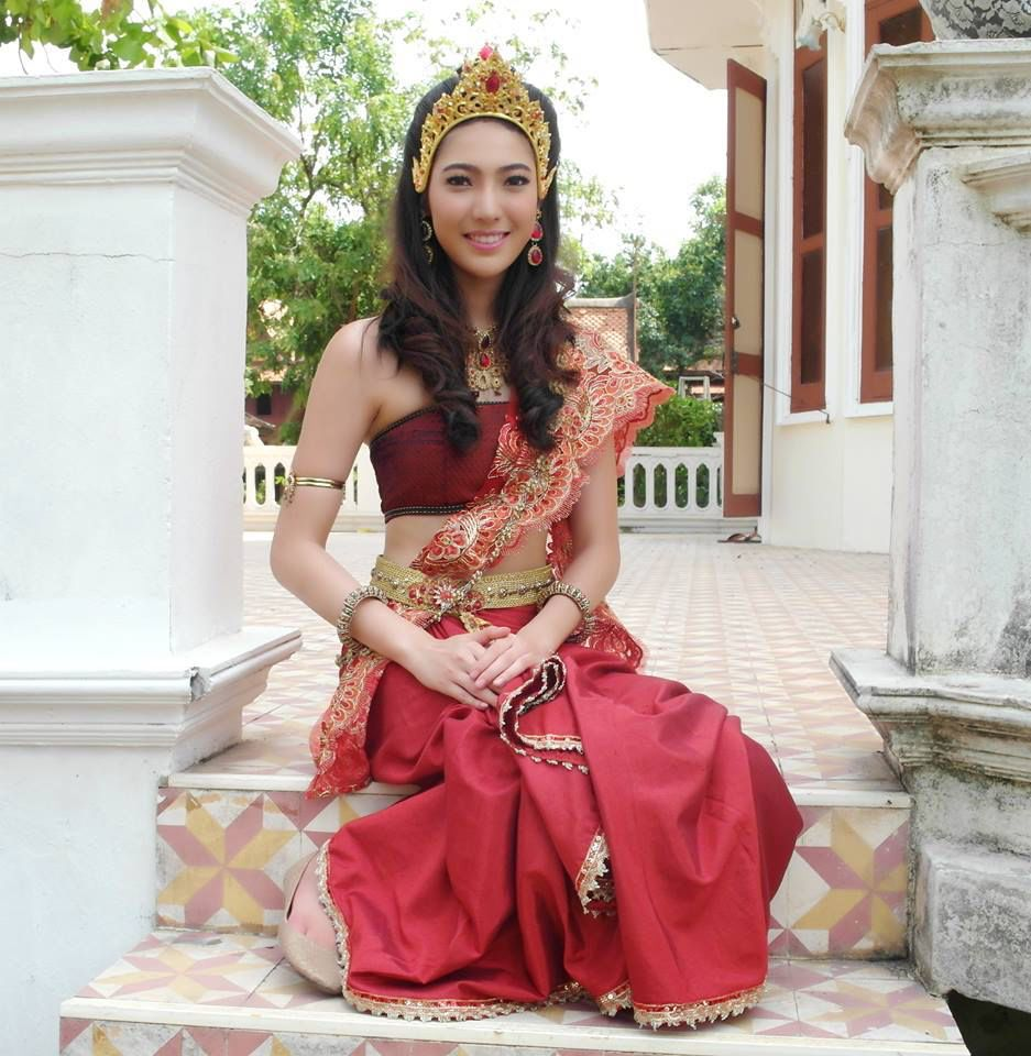 Thai dresses costume in series monarkarat thai traditional dress