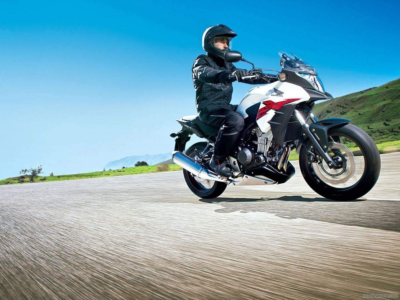 Honda-CB500X-with-stayle-wallpapers