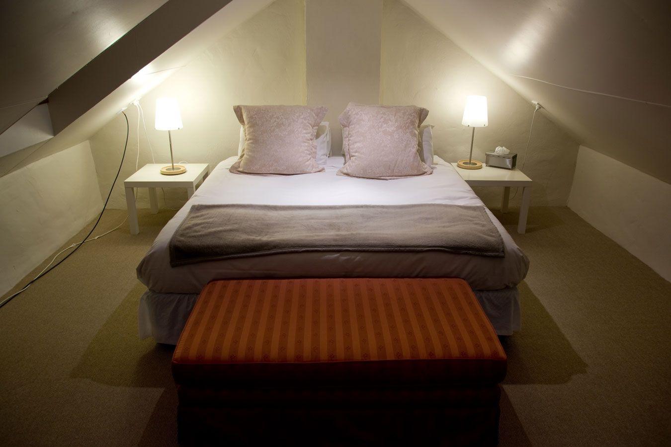 Slaapkamer Ideeen Zolder : Een knusse slaapkamer op zolder maakt slapen extra gezellig vind