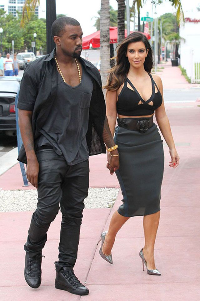 Kanye West Wearing The Balenciaga Arena Black Black Mode Sneakers Mode Homme