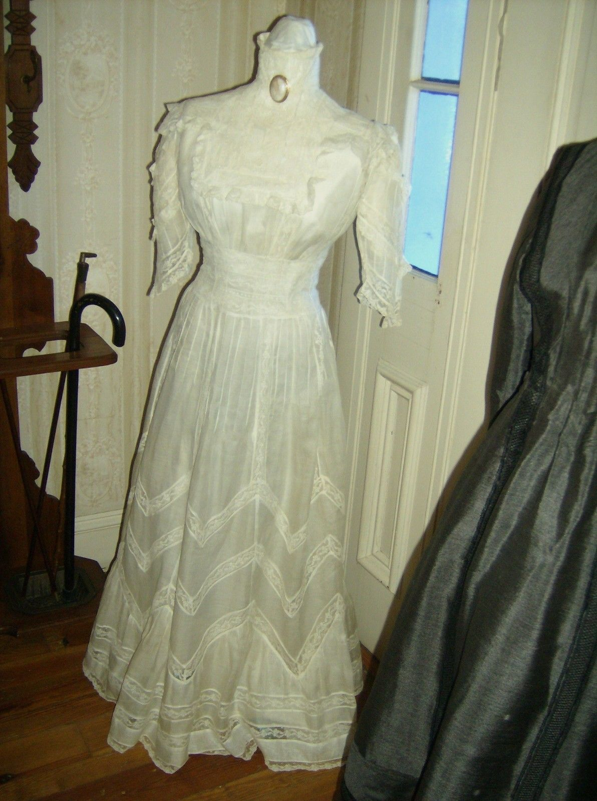 Gorgeous vintage Edwardian white lingerie dress from the early 1900s ...