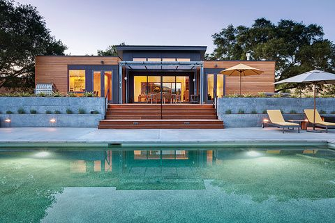 Touring The Breezehouse By Blu Homes Prefab Homes Pool House Designs Rustic Houses Exterior