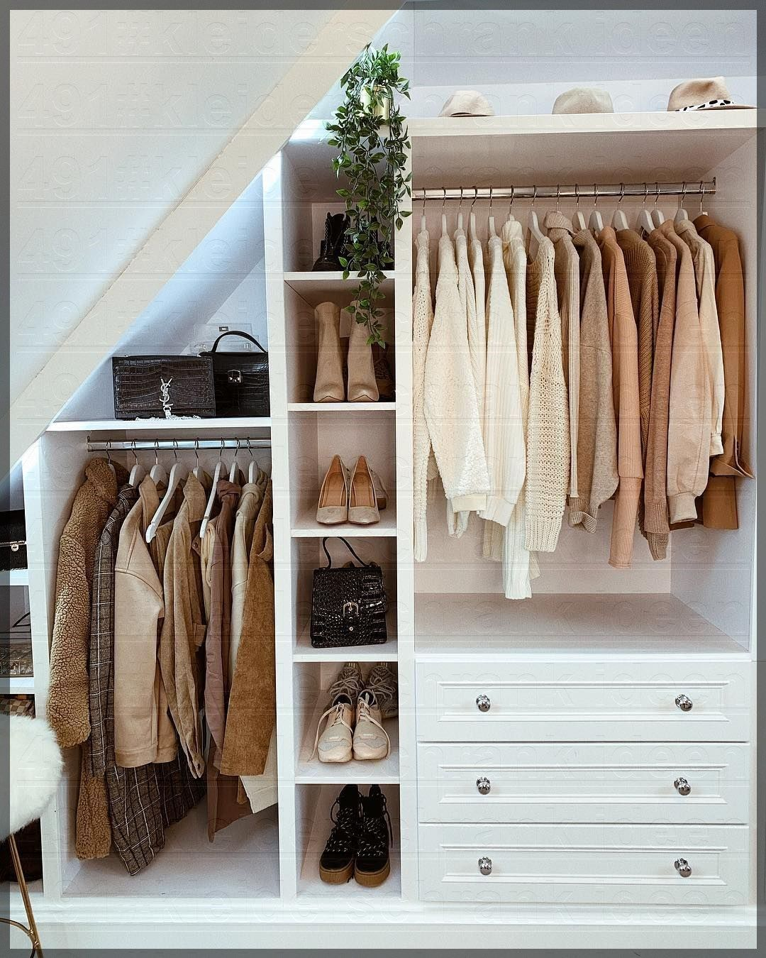 9+ Kleiderschrank #smallloftspaces #Klei… - Blog