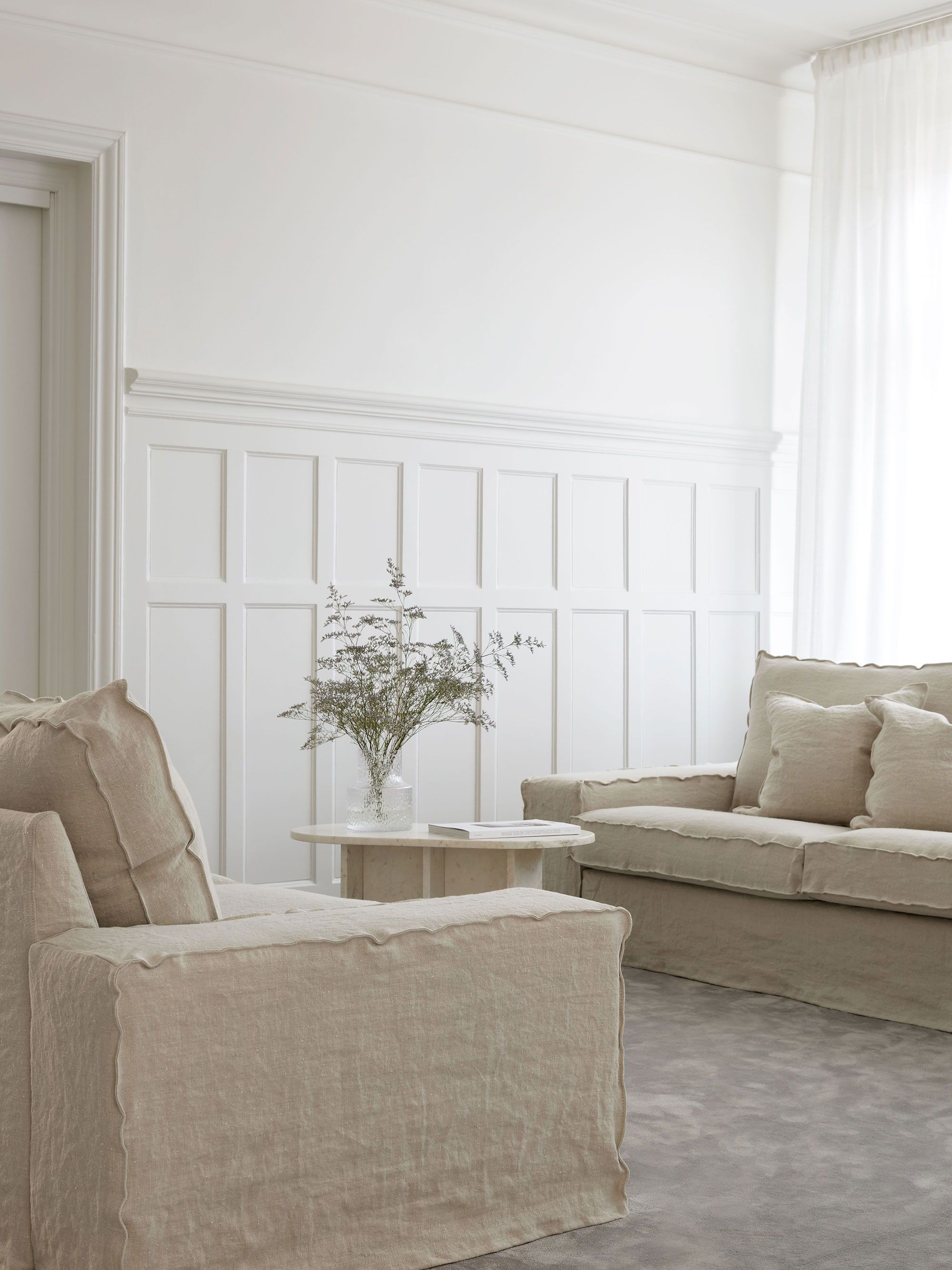 The Boxy Shape Of Linen Sofas