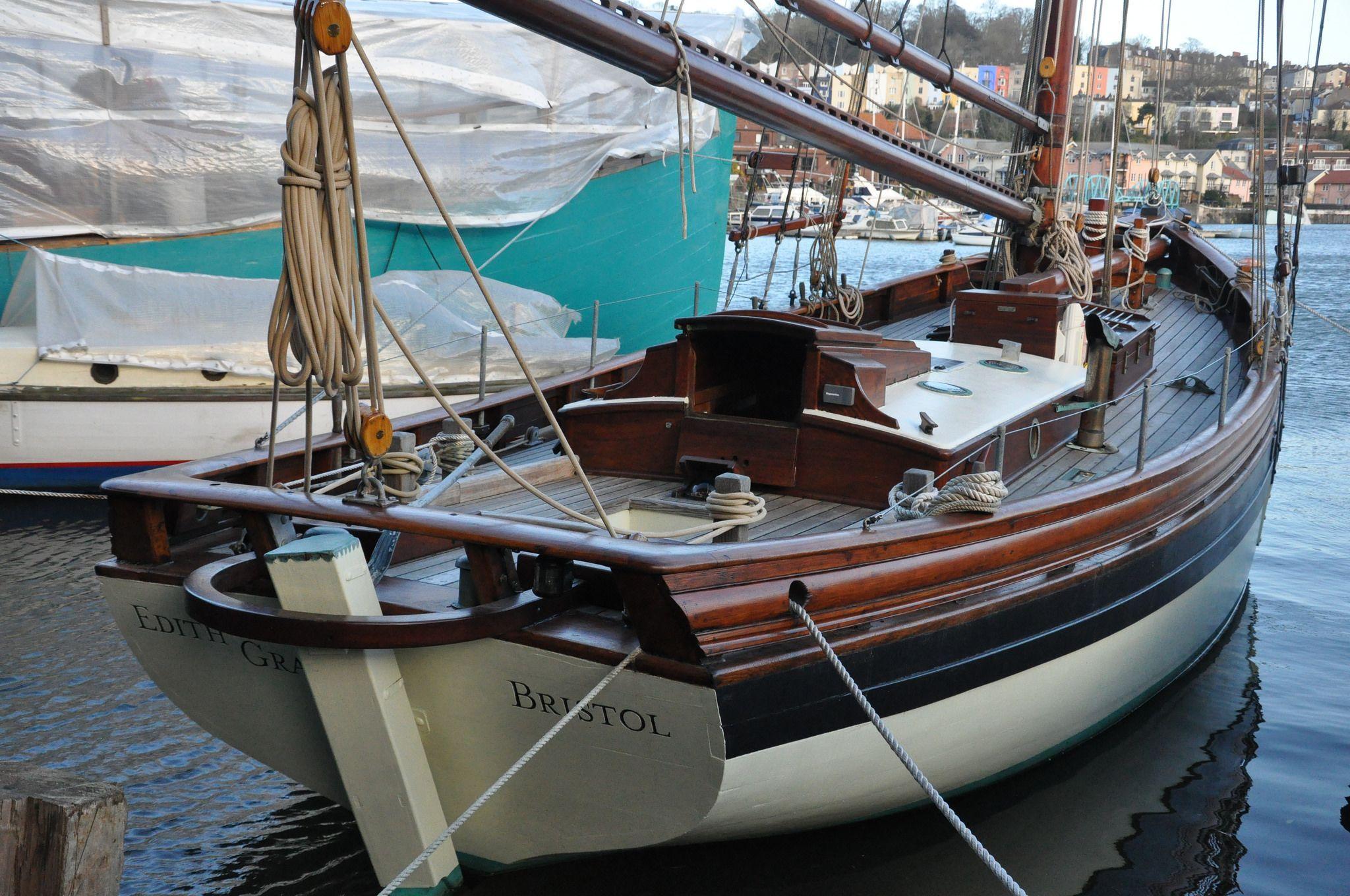 Фото старых деревянных яхт