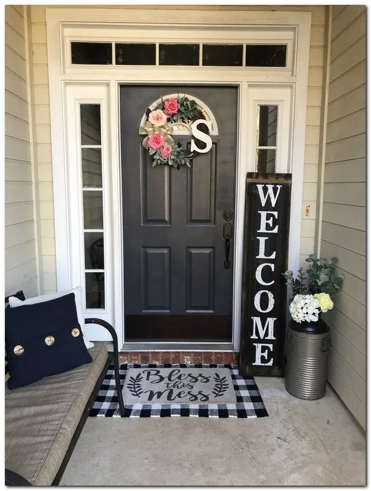 34 Best Spring Front Porch Decorating Ideas #forntporchideas #frontporchdecor #frontporchdesign ⋆ All About Home Decor #smallporchdecorating