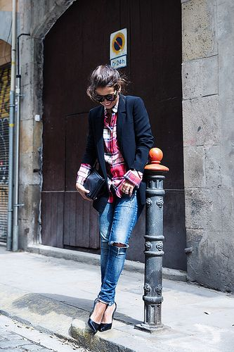 Barcelona_Travels-Belbake-Travels-Plaid_Shirt-Ripped_Jeans-Outfit-Street_Style-Collagevintage-13 by collagevintageblog, via Flickr
