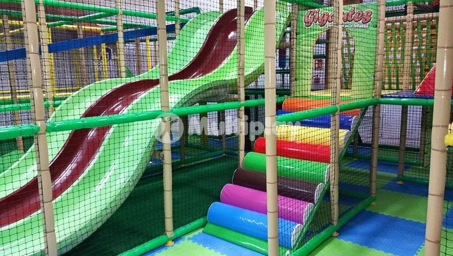 Gigantes Park - Fuenlabrada, Spain. Indoor Play Structure by ...