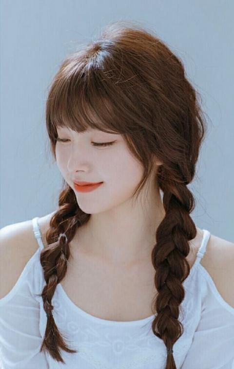 25 Easy Hairstyles For Barrel In September In 2020 Korean Hairstyles Women Korean Hairstyle Long Korean Hairstyle