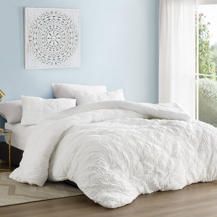Farmhouse Morning Textured Comforter Set by Byourbed in