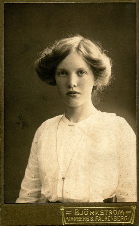 onceuponatown: Portrait of a young woman, Sweden. C.1915 ...