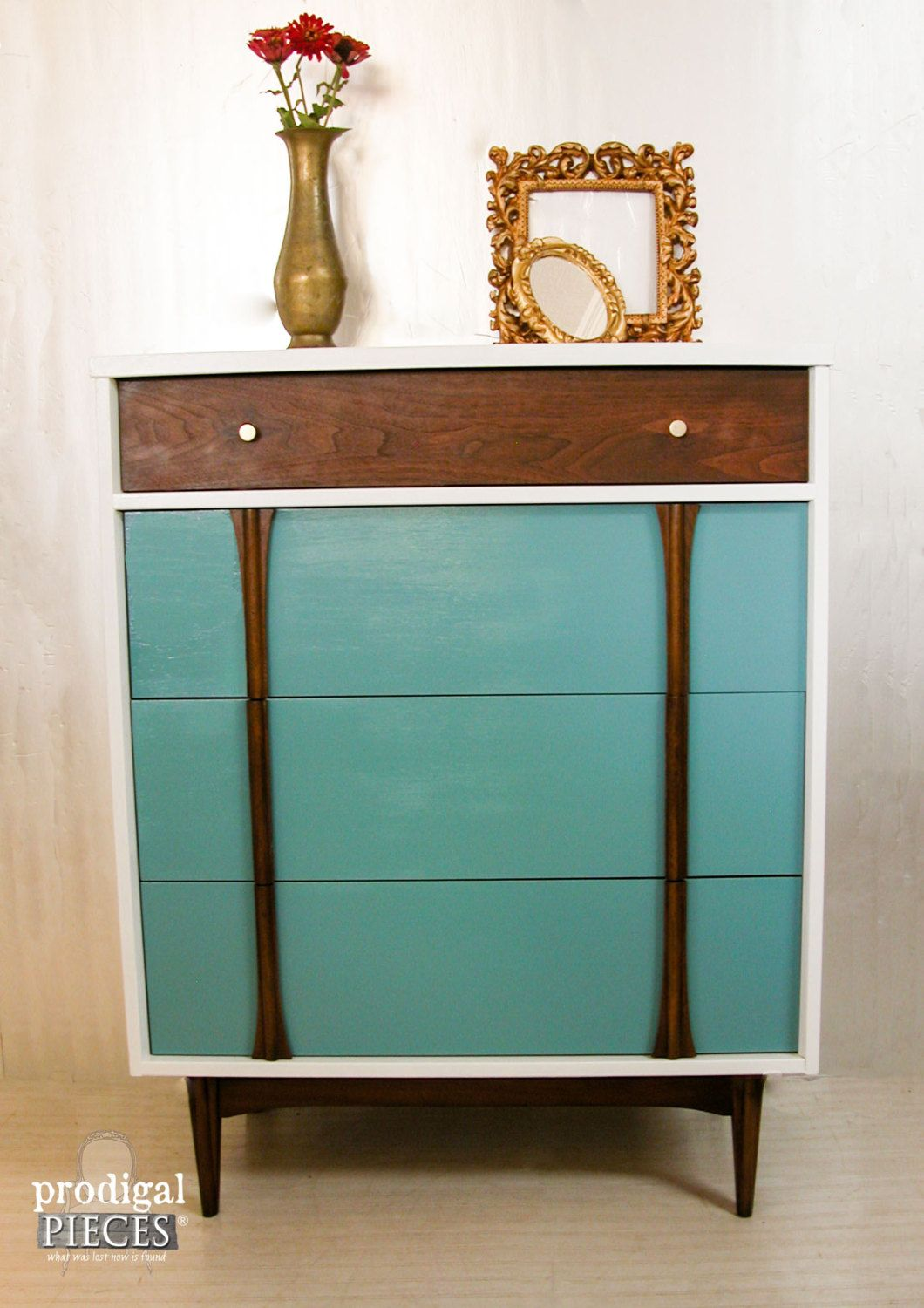 Best Funky Retro Mid Century Modern Mcm Chest Of Drawers 400 x 300