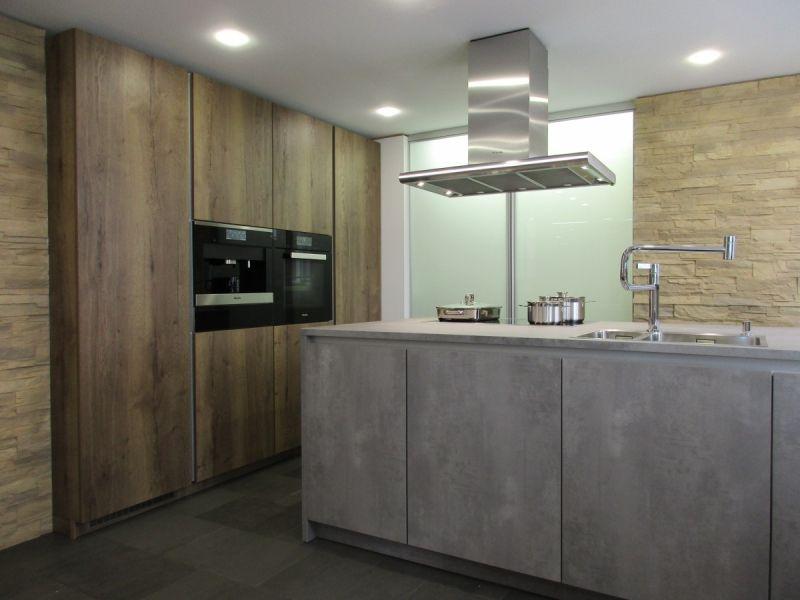 LEICHT Küchen, Programm IKONO I SYNTHIA #beton #miele # holzdekor ... | {Leicht küchen beton 31}